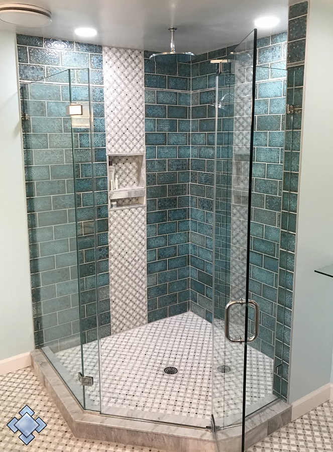 Neo angle shower door unit with aquamarine tile